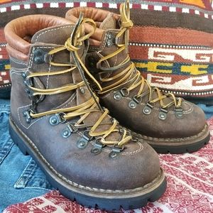 Vintage Leather Hiking Boots Italian Vibram Sole
